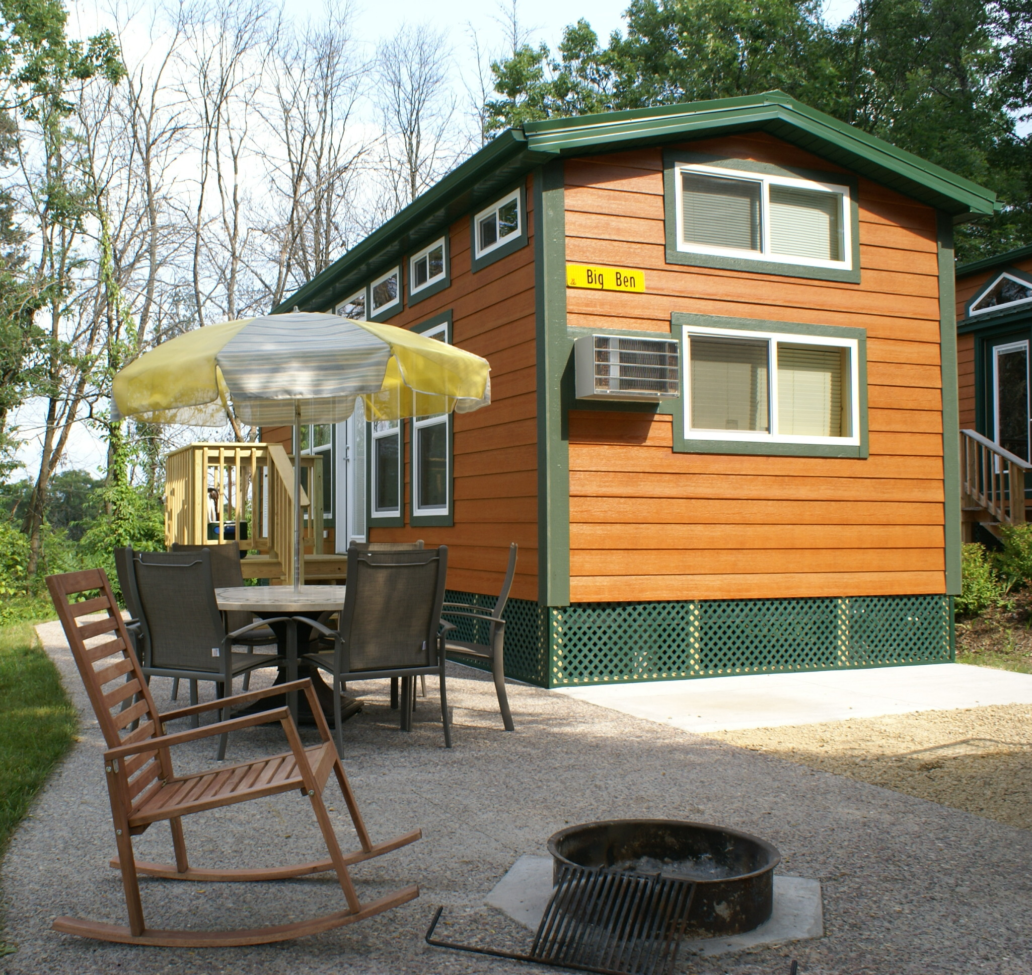 Cool camping in a koa deluxe cabin for Camp sites with cabins