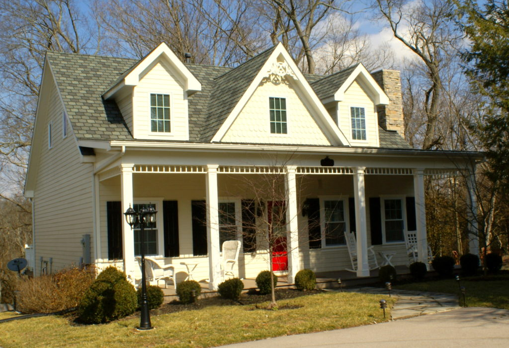 Huntsman's Chase Guesthouse at A Storybook Inn | Versailles, Kentucky